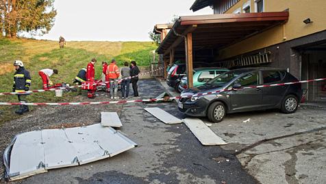 Zwei Burschen bei Böller-Explosion schwerst verletzt (Bild: APA/MANFRED FESL)