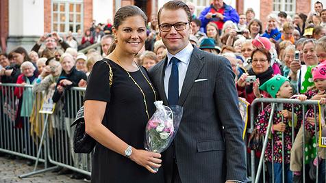 Schwedens Prinzessin Victoria im Babyglück (Bild: EPA)