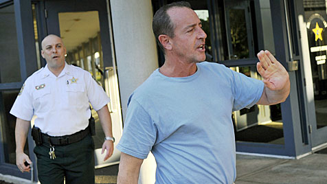 Michael Lohan: Raus aus Gefängnis - und wieder drinnen (Bild: AP)