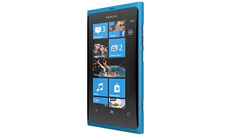 Nokia präsentiert erste Windows-Smartphones (Bild: Nokia)