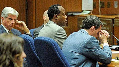 Prozess gegen Jackson-Arzt nun in der Hand der Jury (Bild: EPA)