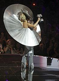 Lady Gaga räumt bei europäischen MTV-Awards ab (Bild: AP)