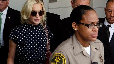 Lohan im Gefängnis - und auch schon wieder draußen