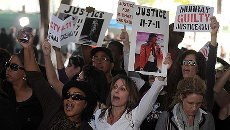 "Michael Jacksons Arzt ist ""schuldig"" - LaToya: ""Sieg"" (Bild: EPA)"
