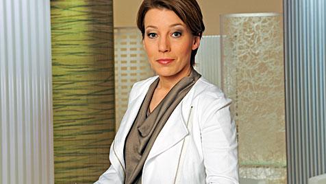 Bildschirmrückzug von ORF-Kulturlady Clarissa Stadler (Bild: ORF/Ali Schafler)