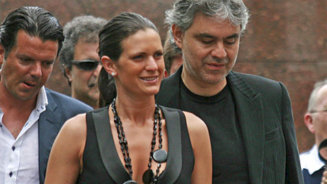 Star-Tenor Andrea Bocelli wird im März erneut Papa (Bild: EPA)
