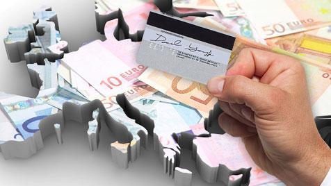 Geldkarten-Dieb verprasst 10.600 € in nur 17 Tagen (Bild: thinkstockphotos.de, krone.at-Grafik)