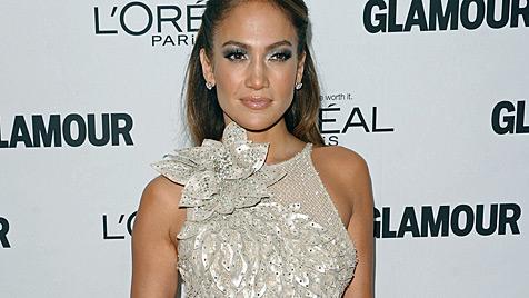 Jennifer Lopez bandelt mit Tänzer Casper Smart an (Bild: AP)