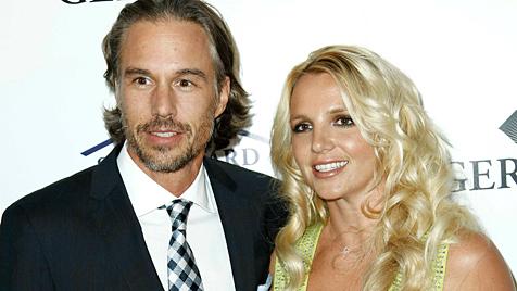 Britney Spears und ihr Freund sprechen über eine Heirat (Bild: AP)