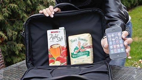 Statt Apple-Handys Mehl und Apfelsaft verkauft (Bild: Markus Tschepp)