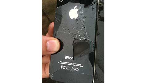 """""""Dichter Rauch"""": iPhone 4 entzündet sich in Flugzeug (Bild: Regional Express)"""