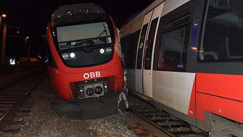 Komplettsperre der Ostbahn nach Zug-Unfall aufgehoben (Bild: Bezirksfeuerwehrkommando Neusiedl/See)