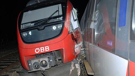 Komplettsperre der Ostbahn nach Zug-Unfall aufgehoben (Bild: Thomas Lenger)