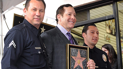 Steve Guttenberg erhielt letzten Stern 2011 in Hollywood (Bild: EPA)