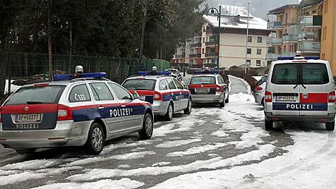 Salzburg: Polizei-Großeinsatz wegen Schießübungen (Bild: Andreas Kreuzhuber)