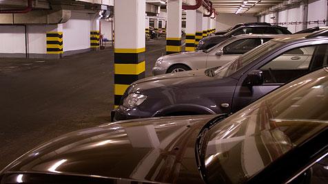 Unbekannter parkt sein Auto seit fünf Jahren in Tiefgarage (Bild: thinkstockphotos.de)