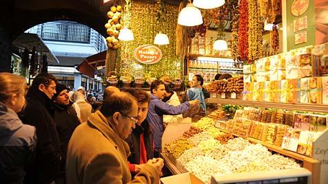 Orient pur: Auf Spurensuche in Istanbuls Basar (Bild: Mark Perry)