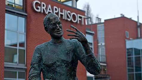 Bronzestatue von Steve Jobs in Budapest enthüllt (Bild: EPA)
