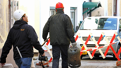 Nach Gasexplosion: 45-J�hriger k�mpft um sein Leben (Bild: Marion H�rmandinger)