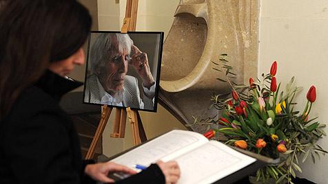 Bewegender Abschied von Johannes Heesters (Bild: AP)