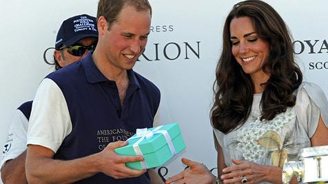 Briten ärgern sich über Luxus-Präsent für William und Kate (Bild: EPA)