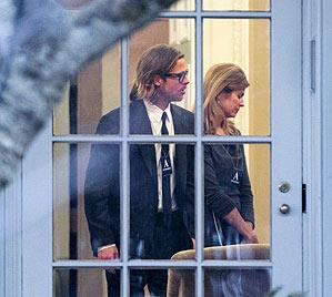 """""""Brangelina"""" waren zu Besuch beim US-Präsidenten (Bild: AP)"""