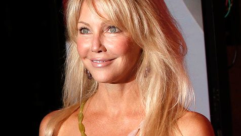 Heather Locklear nach Alkohol-Pillen-Mix im Krankenhaus (Bild: AP)