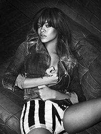 Reizvoll! Rihanna posiert wieder in Armani-Dessous (Bild: Armani/Mert & Marcus Piggott)