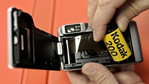 Apple und Google vor Wettstreit um Kodak-Patente (Bild: ddp images/AP Photo/Paul Sakuma)