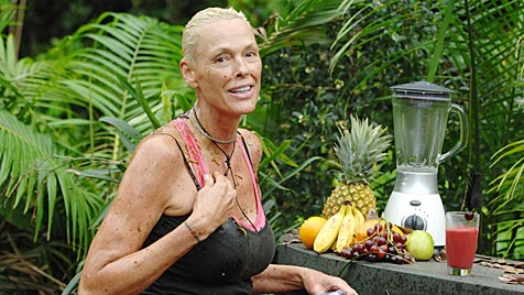 Brigitte Nielsen nackt im Teich ++ Daniel Lopes raus (Bild: (c) RTL)