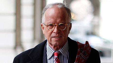 Ex-Minister Fasslabend bei Unfall in NÖ verletzt (Bild: APA/GEORG HOCHMUTH)