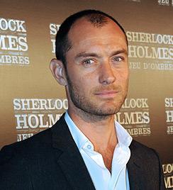 Jude Law lüftet das Geheimnis um sein Mützen-Faible (Bild: AFP)