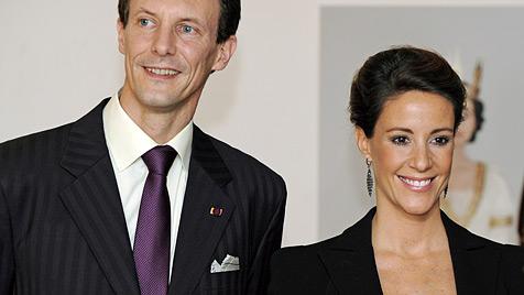 Marie und Joachim von Dänemark sind Eltern geworden (Bild: EPA)