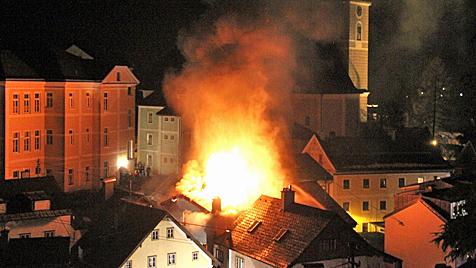 Nach Explosion in Ebensee: Opfer ist außer Lebensgefahr (Bild: Marion Hörmandinger)