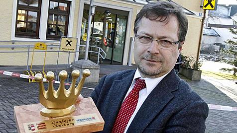 Couragierter Bankdirektor folgte Räuber mit Auto (Bild: Markus Tschepp)
