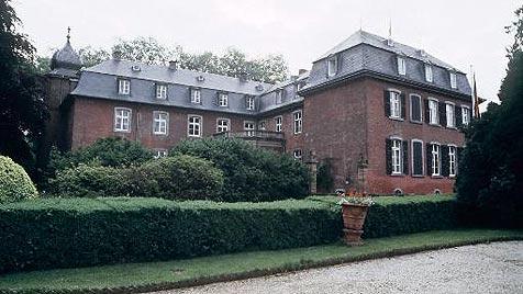 Schloss der Kelly Family wird zwangsversteigert (Bild: AP, dapd)