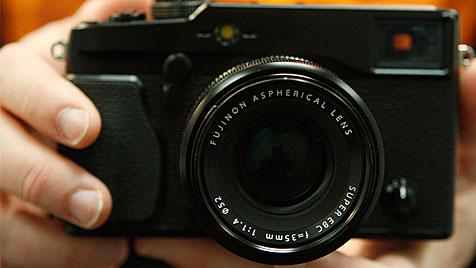 Fujifilm schägt Bündnis mit Olympus vor (Bild: EPA)