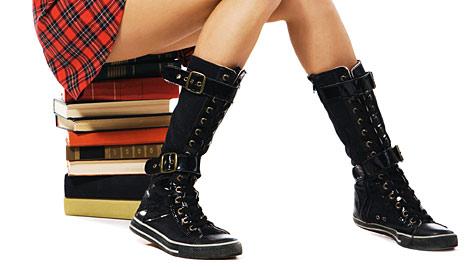 US-Schule erlässt Stiefelverbot wegen Handyschmuggels (Bild: thinkstockphotos.de)