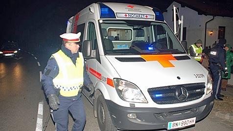 Frontalcrash gegen Mauer: Frau in NÖ schwerst verletzt (Bild: Thomas Lenger, Monatsrevue.at)
