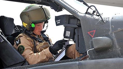 Prinz Harry bester Apache-Co-Pilot seines Jahrgangs (Bild: AP)