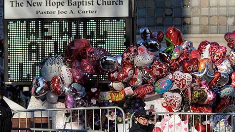 Bewegende Trauerfeier für Whitney Houston (Bild: EPA,AP)