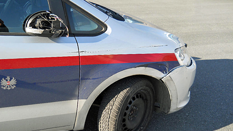 Polizist stoppt 40-Tonner durch mutigen Sprung (Bild: LKA NÖ)