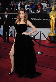 """Wird Angelinas """"Beinarbeit"""" das neue """"Planking""""? (Bild: AP, AFP)"""