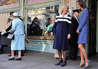 Eitel, faul, fad! Die Queen ärgert sich über Herzogin Kate (Bild: AFP)