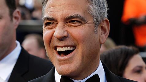 George Clooney hat kein Problem mit Schwulengerüchten (Bild: AP)