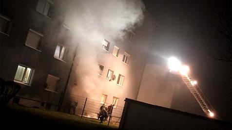 Großeinsatz der Feuerwehr: 90 Menschen evakuiert (Bild: laumat.at)