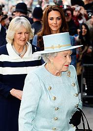 Eitel, faul, fad! Die Queen ärgert sich über Herzogin Kate (Bild: dapd)