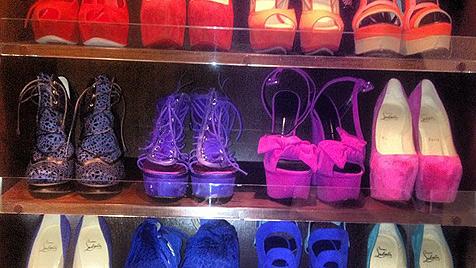 Schuhtick? Kim gewährt Einblick in ihren Schuhschrank (Bild: Twitter)