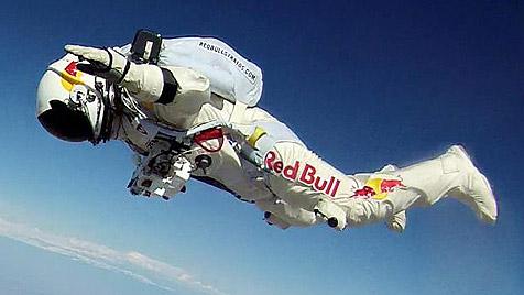 Regen verhindert Baumgartners zweiten Testsprung (Bild: Red Bull)