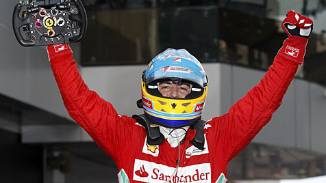 Ferrari-Pilot Alonso siegt vor Mexikaner Perez und Hamilton (Bild: dapd)